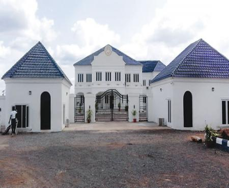 "The New Face Of Ooni Ogunwusi's ""Ile-Oodua"" Palace"